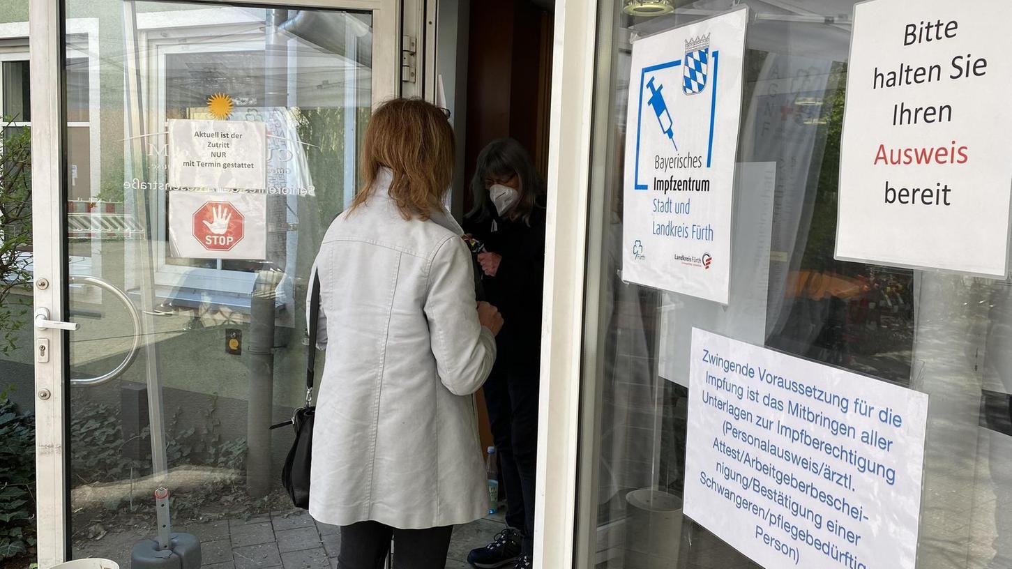 Im Fürther Impfzentrum ist seit Dienstag auch die Prioritätengruppe drei am Start. Sie umfasst in der Stadt und im Landkreis rund 25 000 Personen.