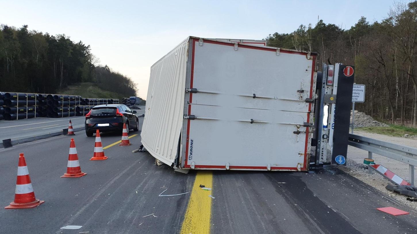 Unfall auf der A3 zwischen der Rastanlage Aurach-Nord und Erlangen-West.