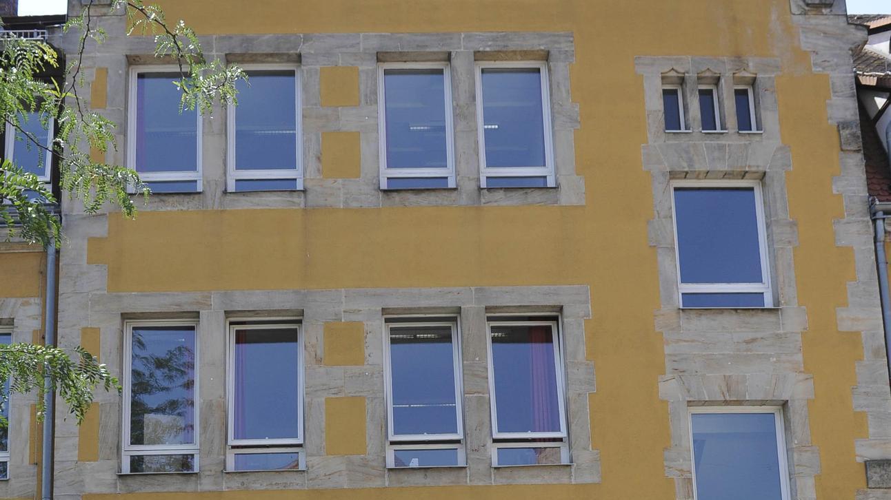 Ein Gebäude mit Symbolkraft für die Stadt Forchheim und mit einer langen Liste an Baumängeln. Die Martinschule in der Innenstadt ist nicht nur zu klein geworden, sondern auch in die Jahre gekommen.