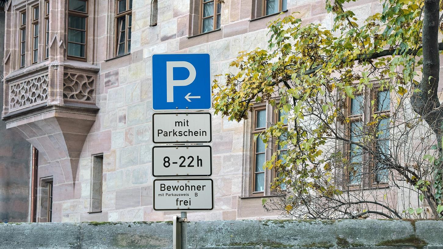 In der Altstadt wird die Parkraumbewirtschaftung umgesetzt. Kostenloses Dauerparken wird damit erschwert.