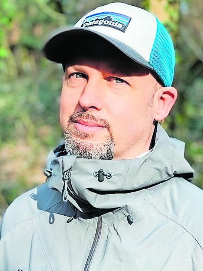 """Peer Schmid, 47 Jahre alt, ist Scrum-Master bei der Firma DATEV und lebt in Dambach. Seit 20 Jahren setzt er sich so oft es geht für eine Runde durch den Fürther Stadtwald auf sein Mountainbike.Anfang April gründete er mit weiteren Aktiven den Verein """"Trailworks Fürth"""", um die Spannungen zwischen Sportlern und den Behörden abzubauen."""