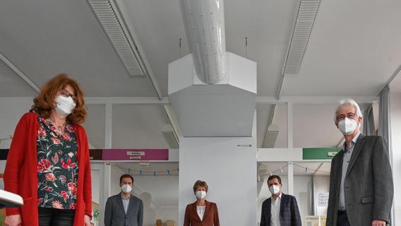 Frischluft rein, Corona raus: Was bringen Luftreiniger an Schulen?