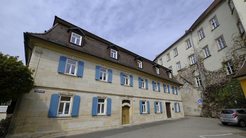Stadtmühle mit Schloss.