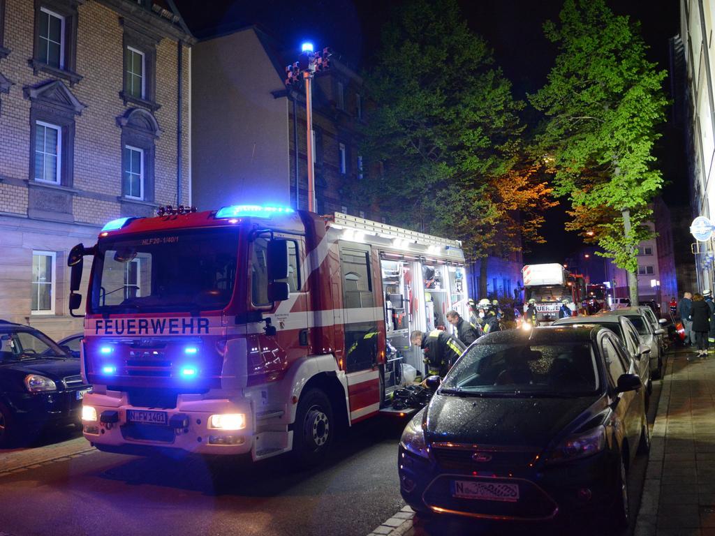 Brand Nürnberg Elisenstr. 15, Brand eines Zigarettenautomaten in einer Gaststätte, keiner verletzt, 04.05.2021, ToMa-Fotografie