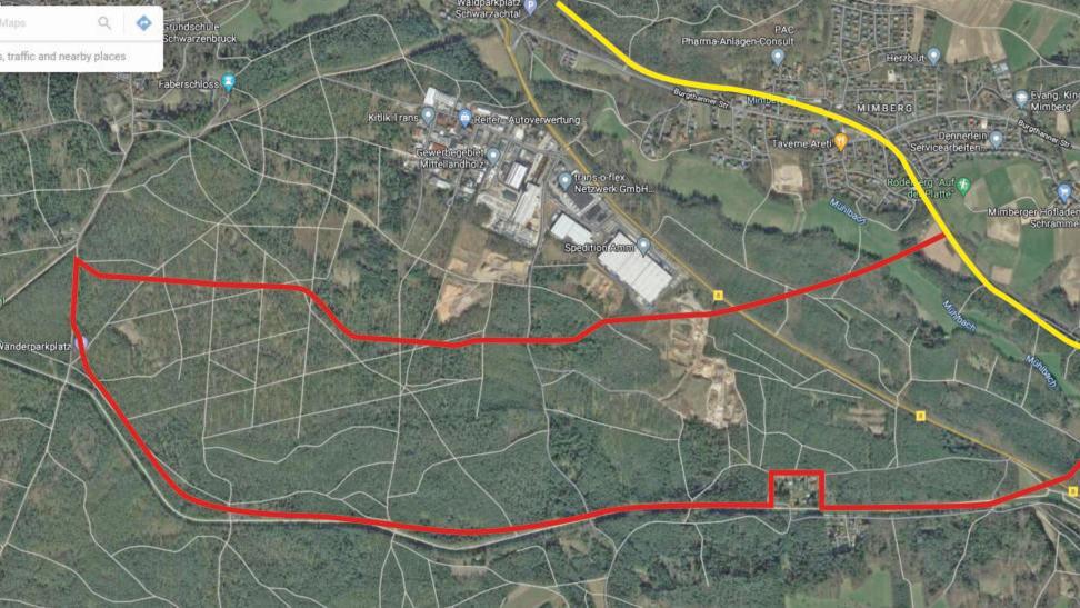 Wie in der Grafik rot dargestellt, könnte sich das geplante ICE-Werk bei Mimberg beziehungsweise Schwarzenbruck erstrecken. Die gelbe Linie markiert die bestehenden Gleise der Zugverbindung Nürnberg-Regensburg, an die das neue Werk direkt angeschlossen sein soll.