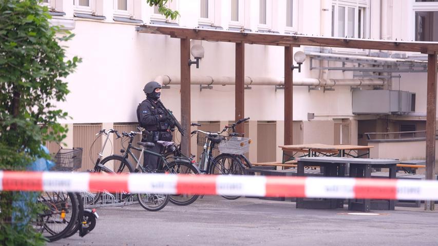 Polizeieinsatz an einer Schule sorgt für Verkehrsbehinderungen in Nürnberg