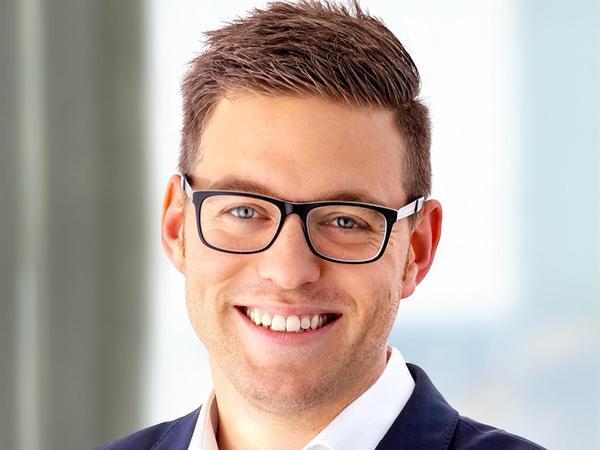 """Dr. Daniel Matulla (33) ist Vorsitzender der Rother CSU und der CSU-Fraktion im Stadtrat. Studiert hat er Soziologie und Politikwissenschaft, seit Kurzem trägt er den Titel Dr. phil. Bei der Schlenk AG ist er """"Referent Vorstand & Corporate Communications"""". Matulla ist verheiratet und hat einen kleinen Sohn."""