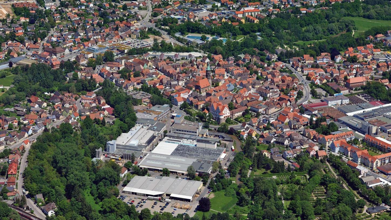 Die Stadt Roth verliert im Herbst mit großer Wahrscheinlichkeit ihren Bürgermeister an den Bundestag. Die CSU muss also auf der Suche nach einem geeigneten Kandidaten für das Amt gehen. Eins ist schon mal sicher: Partei- und Fraktionsvorsitzender Dr. Daniel Matulla steigt nicht in den Ring.