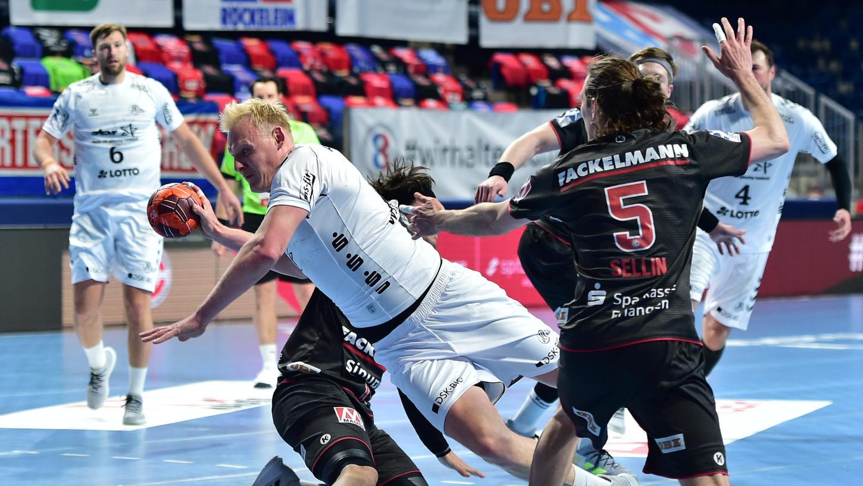 Die Herkulesaufgabe war letztlich unlösbar: Patrick Wienceks Kieler landeten den erwarteten Auswärtserfolg beim HC Erlangen.