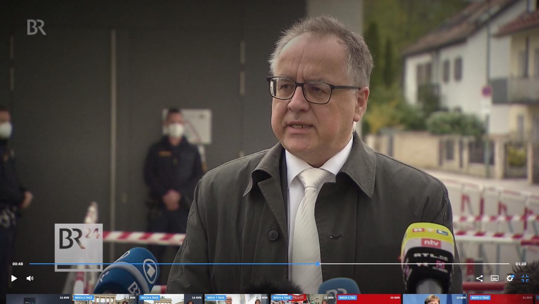 Harald Straßner, Rechtsanwalt von Armin Kroder im Prozess gegen Susanne G., vor der Presse.