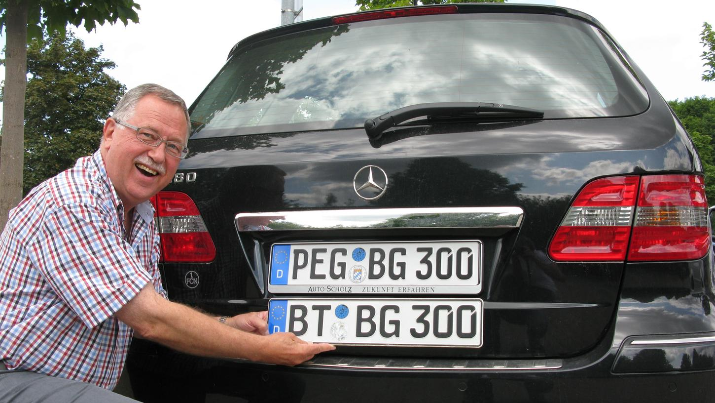Der PegnitzerHelmut Graf hat 2013 sein BT-Kennzeichen gegen die alte Kennung seiner Heimat PEG eingetauscht.