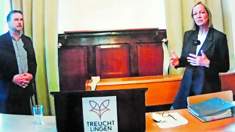 Aus dem Rathaus: Bürgermeisterin Kristina Becker und Werkleiter Max Filser von den Stadtwerken beim Livestream zum Thema Wasserstoff-Technik.