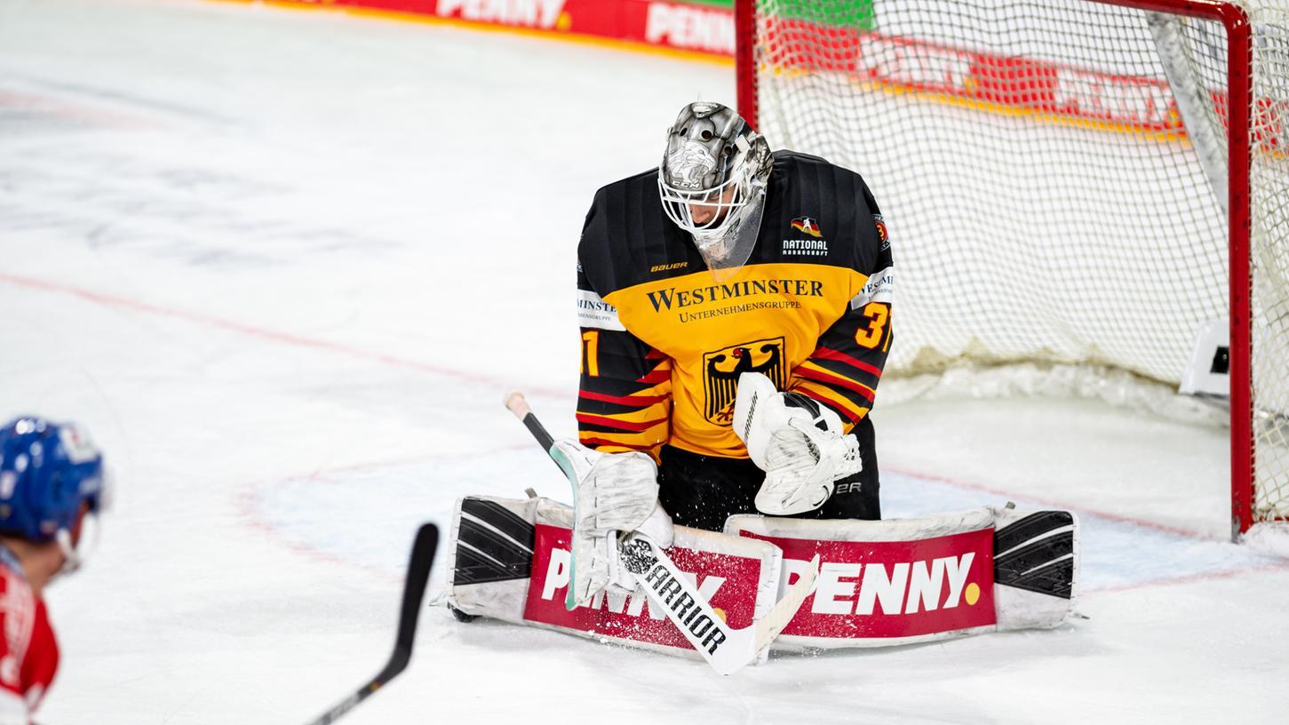 Zugepackt: Keeper Niklas Treutle ist ein sicherer Rückhalt, im Nationalteam und auch weiter bei den Nürnberg Ice Tigers.