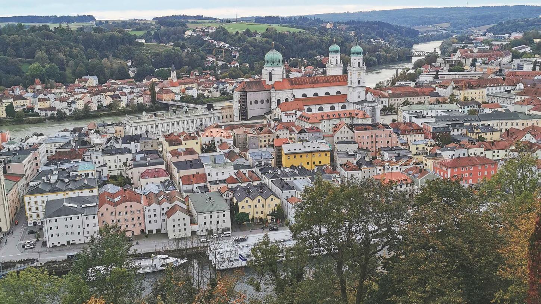 In Passau stehen Lockerungen der Corona-Maßnahmen an. Der Inzidenz-Wert am Samstag betrug nur 20,8.