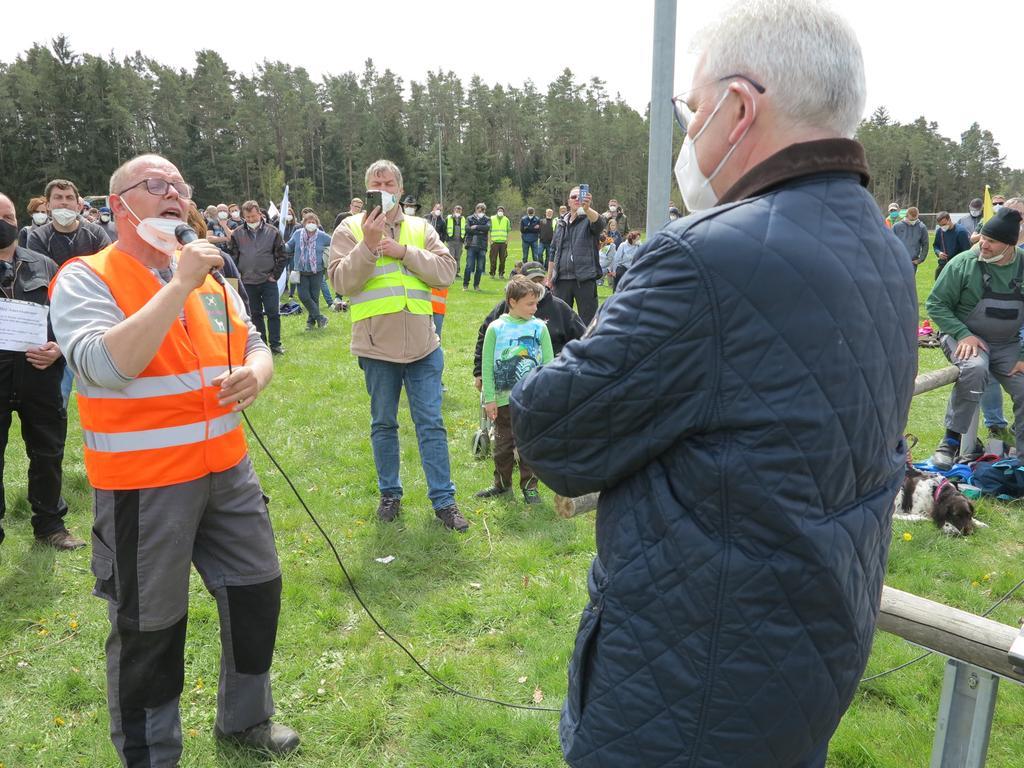 Wolfgang Dressler, Mai 2021 Bechhofen Krummweiher Demonstration Bauern gegen Artur Auernhammer plus Nominierung CSU Versammlungsgeschehen