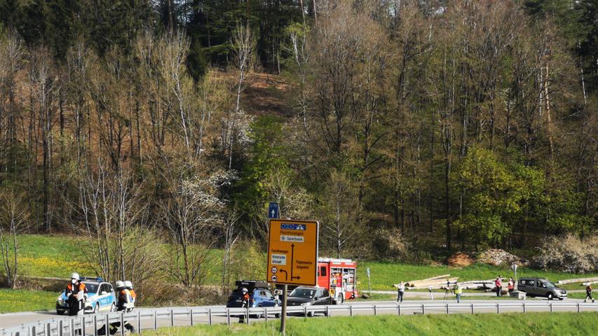 Nach Kollision mit Auto: Motorradfahrer stirbt bei Feuchtwangen