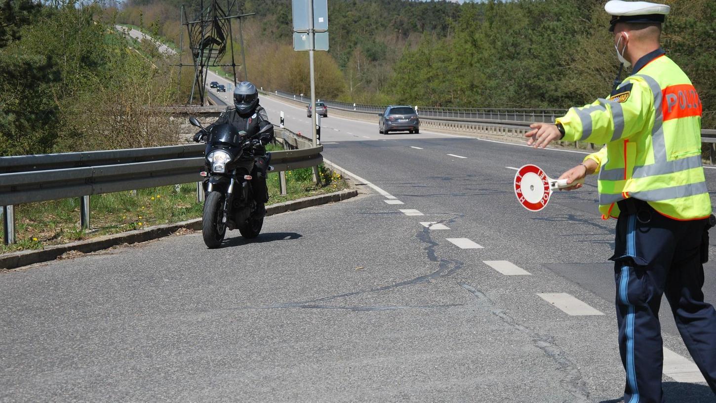 Einige Verkehrsteilnehmer wurden bei den Polizeikontrollen am Wochenende von den eingesetzten Ordnungskräften herausgewunken.
