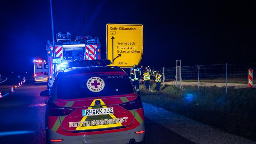 Zu einem tragischen Verkehrsunfall kam es am späten Montagabend (10.05.2021) auf der Bundesstraße 2 zwischen Mauk und Wernsbach Landkreis Roth.