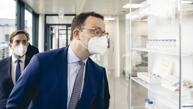 Bundesgesundheitsminister Jens Spahn (CDU) bekräftigte, dass bis zum Ende der Sommerferien den 12- bis 18-Jährigen in Deutschland ein Impfangebot gemacht werden soll.