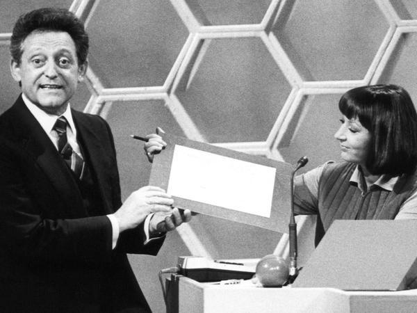 Rosenthal mit Jurymitglied Brigitte Xander, 1981 aufgenommen.