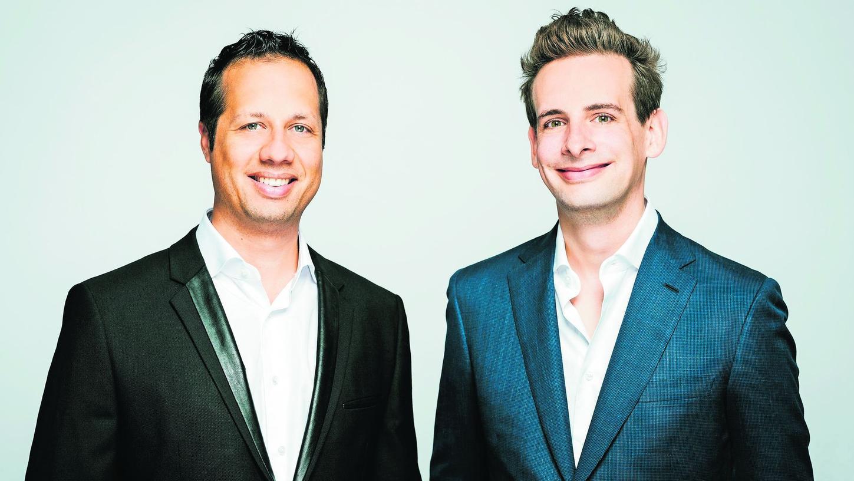 Michael Ambros (links) und Gunther Schmidt machten einst schon in der Stadtkapelle Burgbernheim gemeinsam Musik.
