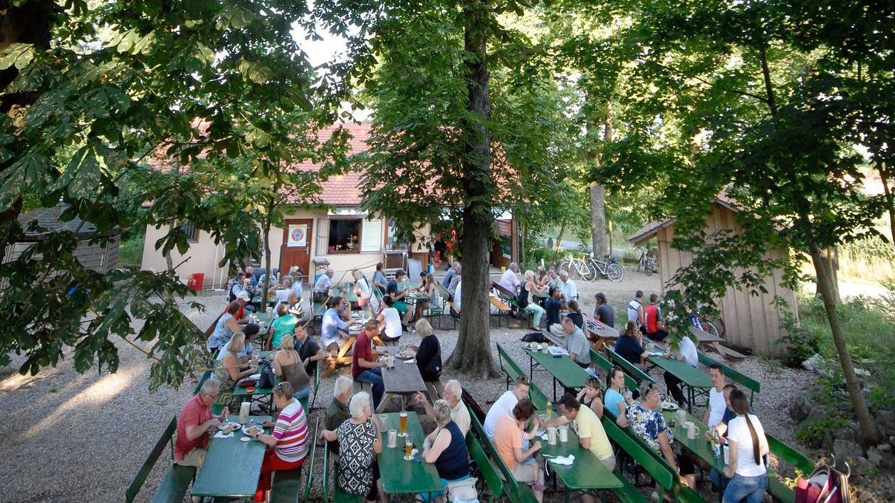 Szenen wie hier im Geyers Bierkeller in Oberreichenbach dürfen wir hoffentlich künftig wieder öfter genießen.