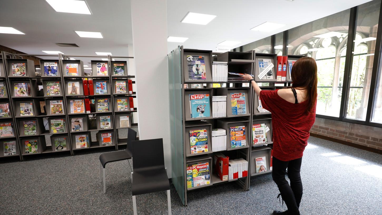 Heller und in angenehm luftiger, übersichtlicher Form präsentiert die Bibliothek jetzt ihre Bestände im historischen Katharinenkloster-Trakt.