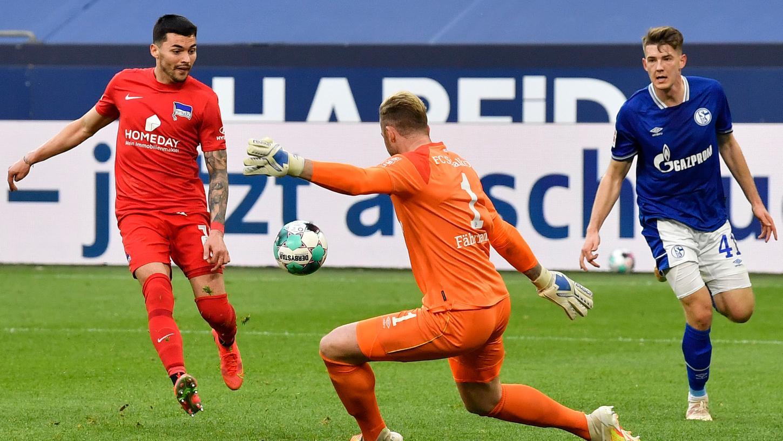 Im Nachholspiel setzte sich Berlin knapp gegen Schalke durch.