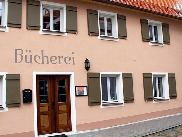 Die Bücherei Wolframs-Eschenbach hat ihr neues Domizil im ehemaligen Besner-Haus bezogen und öffnet am Sonntag ihre Türen.