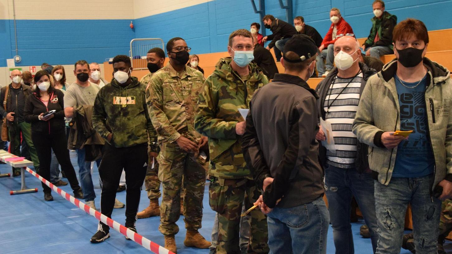 Die US Army in Hohenfels ist schon mittendrin in der Corona-Impfaktion für deutsche Angestellte und US-Soldaten am Standort. Zur Auswahl stehen die Impfstoffe Moderna oder Johnson & Johnson.