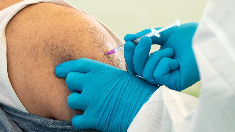 Die Weltgesundheitsorganisation hat nun reiche Nationen dazu aufgefordert, Corona-Impfstoff an ärmere Länder zu spenden.