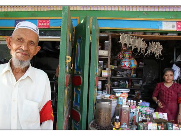 Uigurische Händler - Teil einer alten, traditionsreichen Gemeinschaft, die unterzugehen droht.