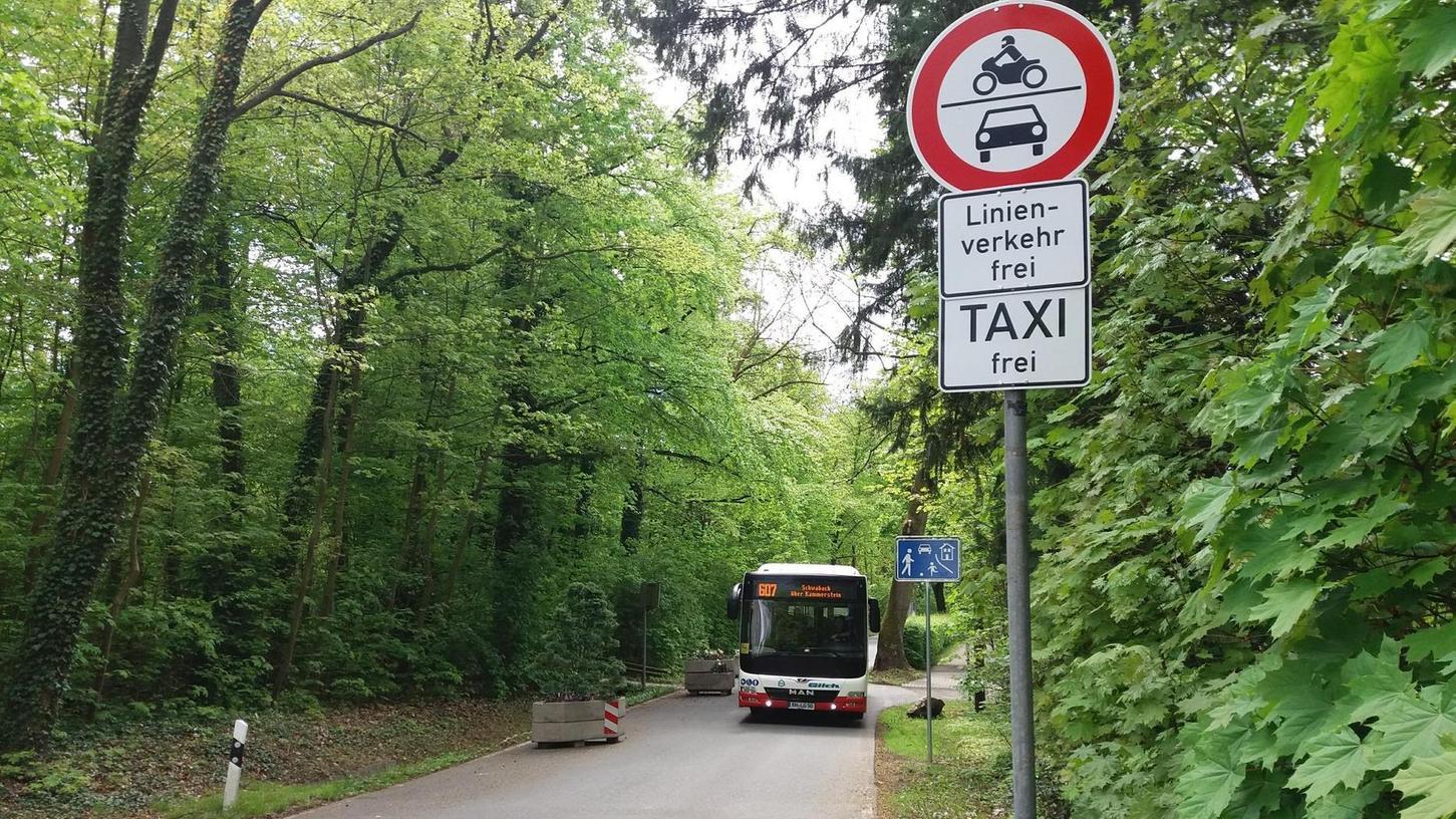 Busse dürfen durch die Birkenstraße fahren, Autos und Lkw nicht mehr. Oder noch nicht wieder?