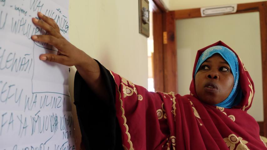 Frauen ermächtigen Frauen: Die Mütterschulen finden mittlerweile auf drei Kontinenten statt.