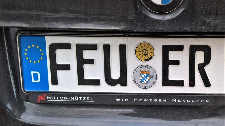 Im Landkreis Ansbach war der Ansturm so groß, dass zur Einführung der Altkennzeichen 2013 die Zulassungsstelle inFeuchtwangensogar Überstunden schiebenmusste.