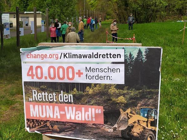 Ordentlich online Stimmen für den Erhalt des Muna-Waldes gesammelt: Inzwischen haben über 41 000 Menschen dafür unterschrieben.