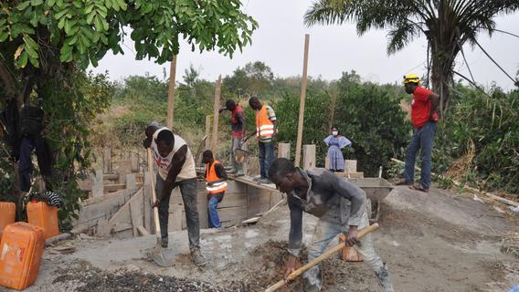Zuhause in der Oberpfalz, aber das Herz in Togo: David Djore hilft Landsleuten in der Heimat