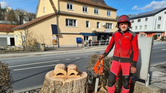 Kunst im Stumpf: Neugestaltung des Hartmannshofer Kirchplatzes sorgt für Kritik