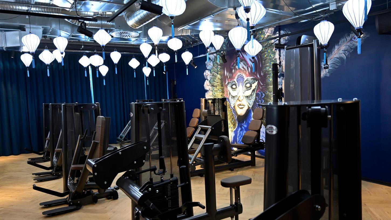 Erlangen:  In der Nägelsbachstraße wird demnächst ein ganz besonderer Fitneesclub eröffnen, der auch an eine Wellness-Oase erinnert: der John Reed Fitness Music Club.  17.05.21. Foto:  Harald Sippel