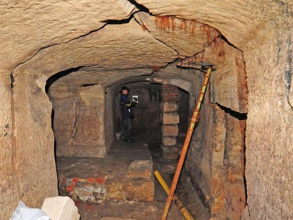 Willkommen in Forchheims Untergrund: Der Bauernkeller am Kellerberg ist vor rund zehn Jahren ausführlich wissenschaftlich untersucht und im Anschluss saniert worden. Jetzt ist ein bisher anscheinend unbekannter Keller-Ast aufgefallen. Für einen Bauherren hat das Konsequenzen.