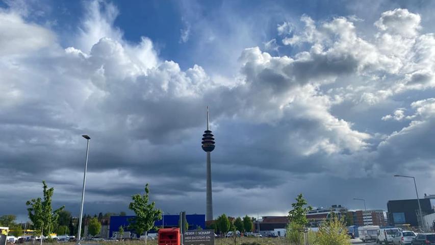 Doppel-Regenbogen, Sturmfronten und Niesel: So verrückt ist das Maiwetter