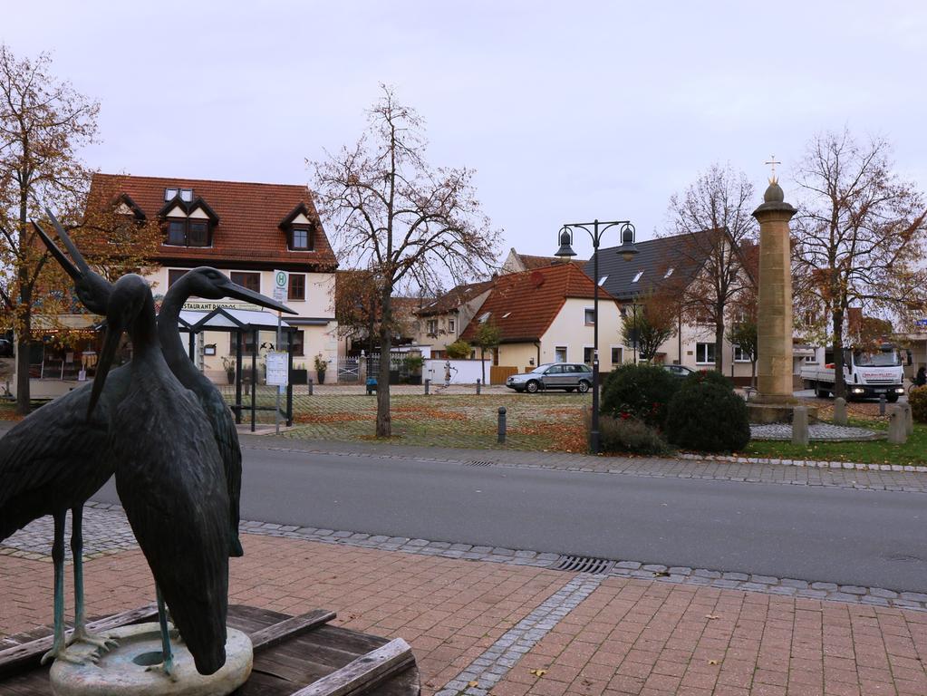 Foto: Nikolaus Spörlein Motiv: für Bildergalerie, Adelsdorf, Marktplatz