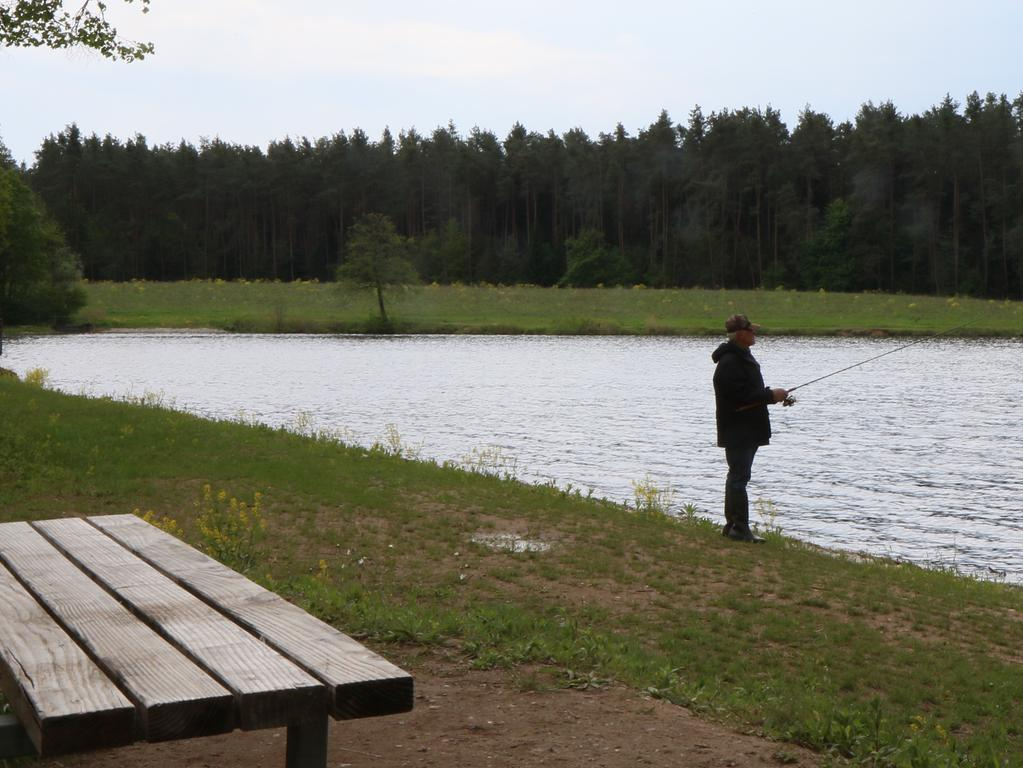 Foto: Nikolaus Spörlein Motiv: für Bildergalerie, Adelsdorf, Hofsee-Angler