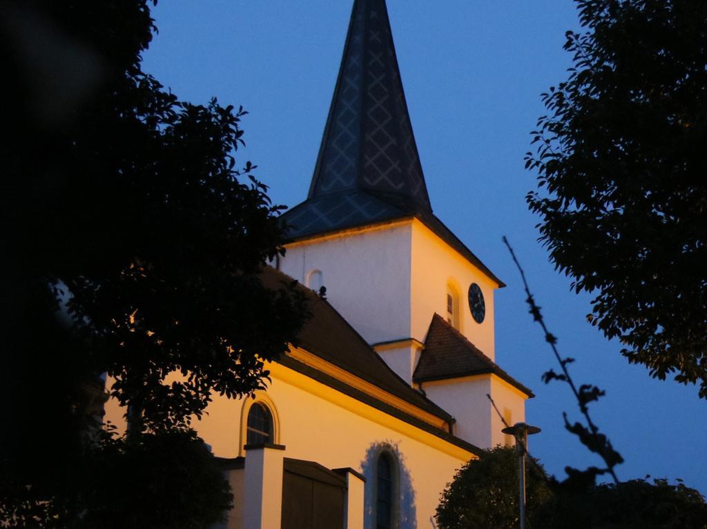 Foto: Nikolaus Spörlein Motiv: für Bildergalerie, Adelsdorf,600 Jahre Sankt Laurentius Aisch