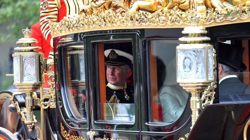 Bei Paraden zelebriert das britische Königshaus seinen Glanz.