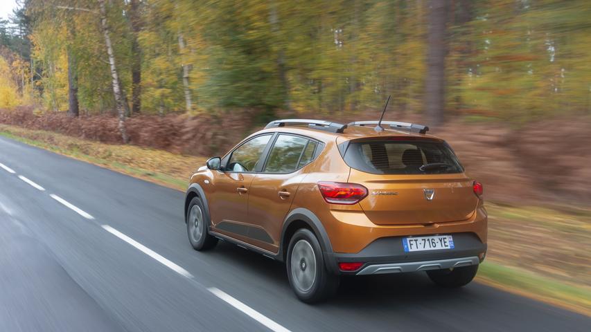 Technisch fußen sowohl Dacia Sandero als auch Sandero Stepway auf der CMF-B-Plattform des französischen Mutterkonzerns Renault, die auch Renault Clio oder Captur nutzen – gutes Erbgut also.
