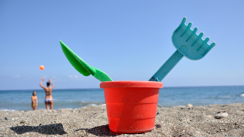 Am Strand ausspannen und all den Ärger rund um die Corona-Pandemie vergessen. Viele Bürger in Bayern wollen damit noch ein wenig warten. Laut einer aktuellen Umfrage verzichten rund 73 Prozent der Menschen im Freistaat auf den Pfingsturlaub.