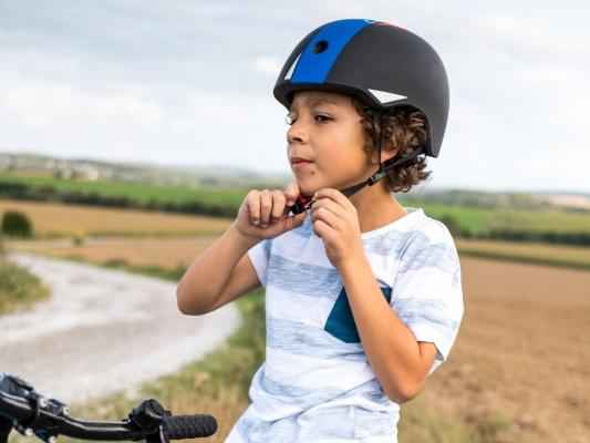 Schützt beim Sturz: Ein guter Fahrradhelm muss sein.