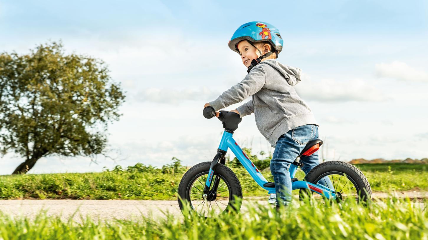 Mit dem Laufrad läuft es besser: Schon früh wird die Balance trainiert.