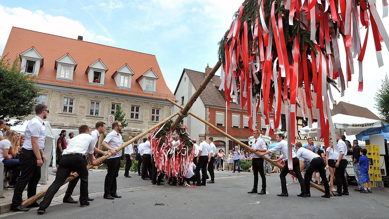 Ein Bild aus besseren Tagen: So wie hier gezeigt kann Baiersdorf in diesem Jahr aufgrund von Corona keine Kirchweih feiern.